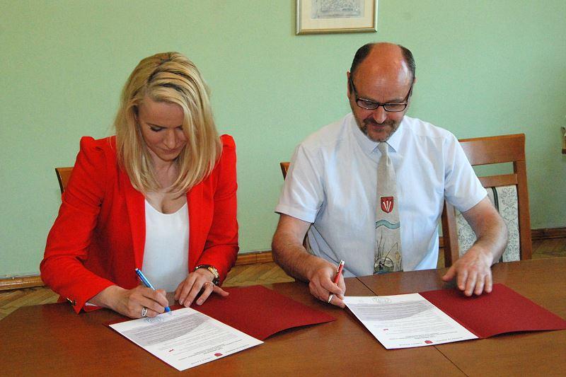 Podpisanie Umowy z Prezesem Fundacji